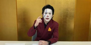 A Japanese politician is running for governor ... Disguised as a Joker!