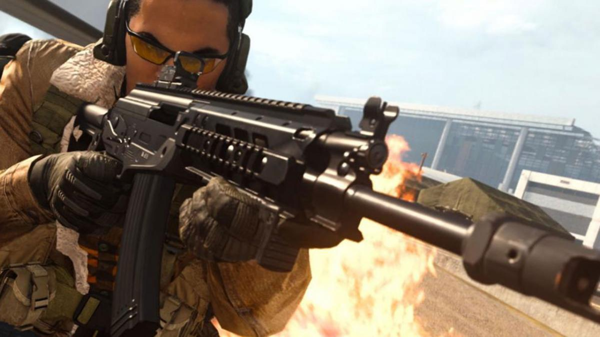 Call of Duty Warzone player shoots down a helicopter ... while deploying a supply crate
