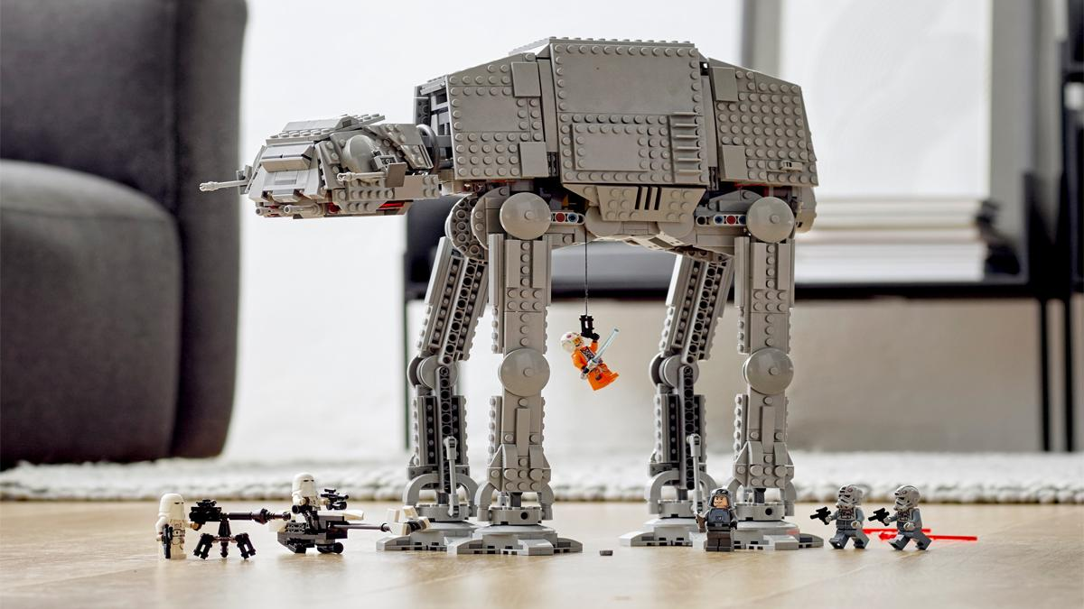 If you are a Star Wars fan, you are going to want this LEGO AT-AT: take advantage of the fact that it is on sale for 128.99 euros