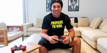 Ronaldinho's FIFA 21 team, R10, accused of mistreating a player