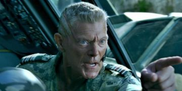 Stephen Lang talks about the return of Avatar villain Miles Quaritch in the James Cameron sequels