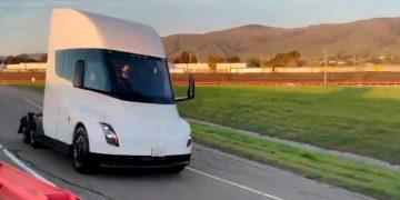 Tesla Semi: cada vez más cerca de la carretera