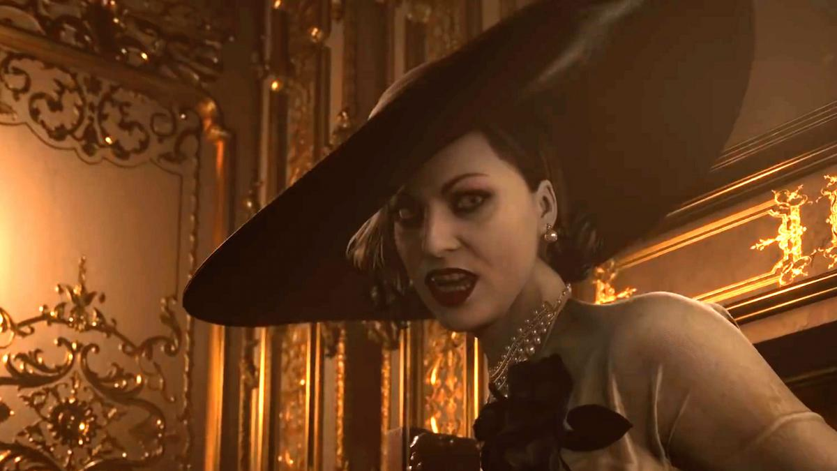 This Lady Dimitrescu cosplay faithfully recreates the actual stature of the Resident Evil Village vamp