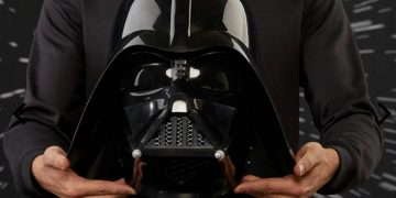 Darth Vader's electronic helmet, with voice module, for 99 euros on sale: perfect for Star Wars fans