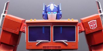 Hasbro reveals Optimus Prime robot that transforms itself ... for $ 700