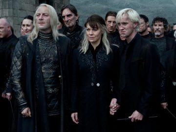 Jason Isaacs and Tom Felton (Lucius and Draco Malfoy) say goodbye to Helen McCrory (Narcissa Malfoy)