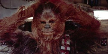 Mark Hamill remembers how Chewbacca was about to appear in Star Wars ... with pants!