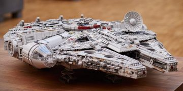 This Lego Millennium Falcon is (almost) the largest set in history: it has more than 7,500 pieces and is reduced to 639 euros