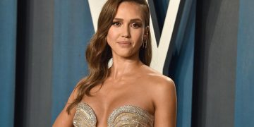 "Today Jessica Alba turns 40, the ""Invisible Woman"" who survived in Sin City."