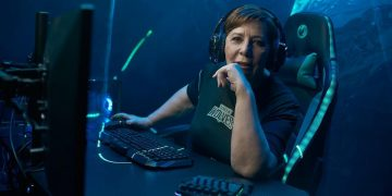 Celia Villalobos, former Minister of Health and Consumption, founds her own eSports team: Screen Wolves