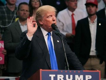 Donald Trump vuelve a Internet, pero poco