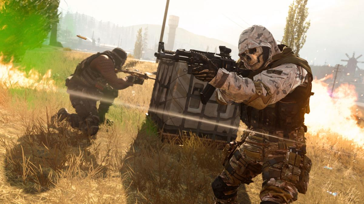 Rare Call of Duty Warzone bug gives players 8 weapons in weapon drops