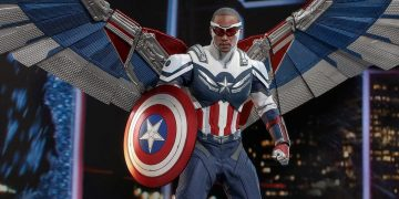This is the new Captain America action figure launched by Hot Toys