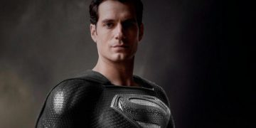 Zack Snyder explains why he uses Christian symbolism in his DC movies