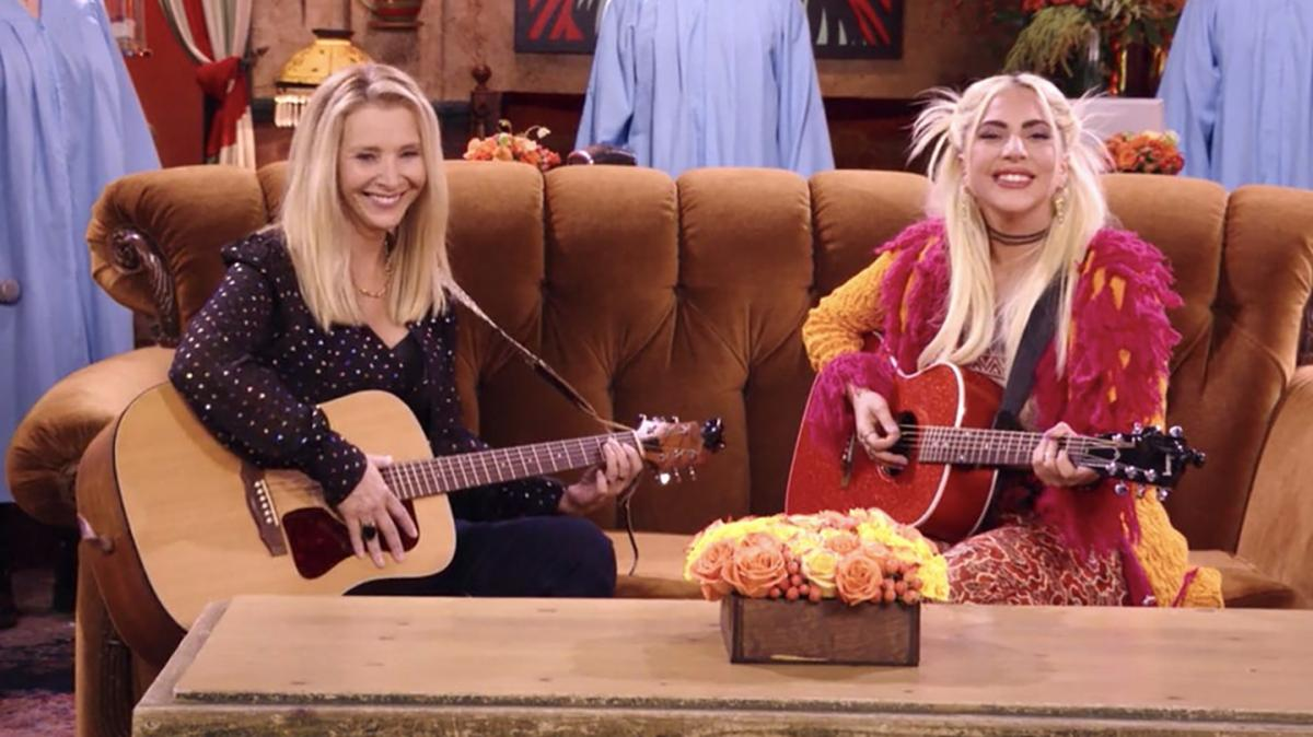Lisa Kudrow Admits She Had To Re-learn Smelly Cat For Friends: The Reunion