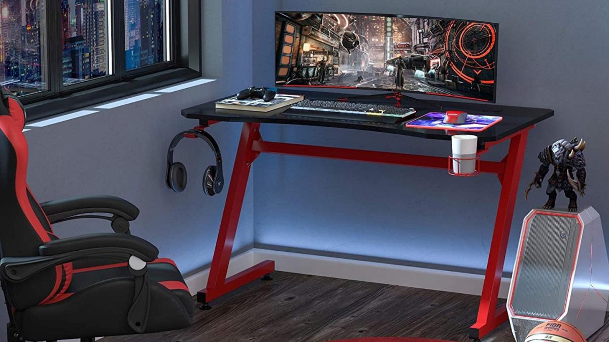 This attractive gaming table has a great design, and is equipped with everything you need, in addition to being very cheap, for only 110 euros on Amazon